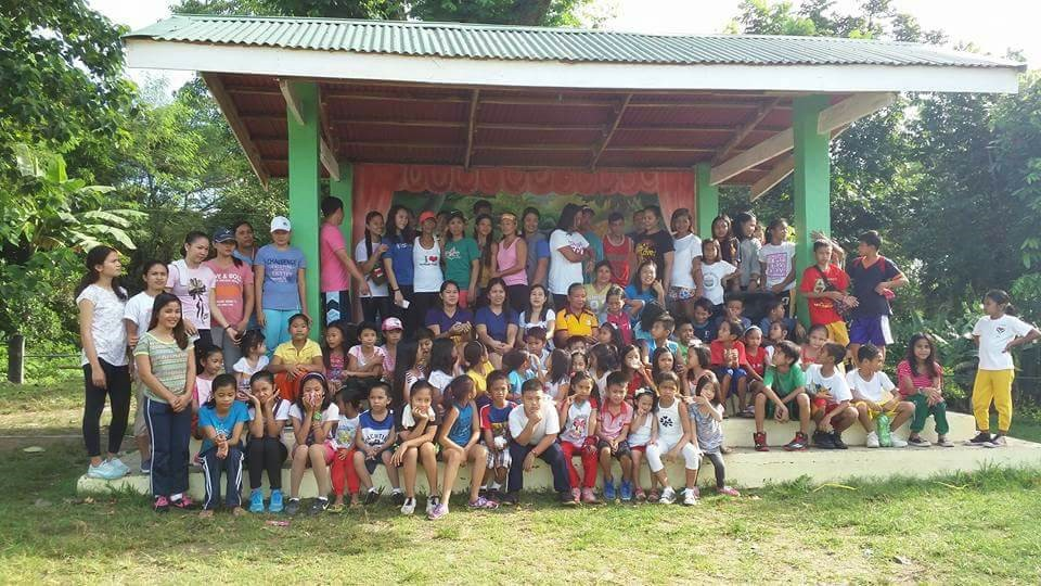 Fourth Year CHSU PharmD Students Feed Hungry Children in the Philippines